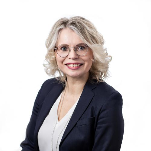 Kuvassa OmaSp:n viestintäjohtaja Minna Sillanpää